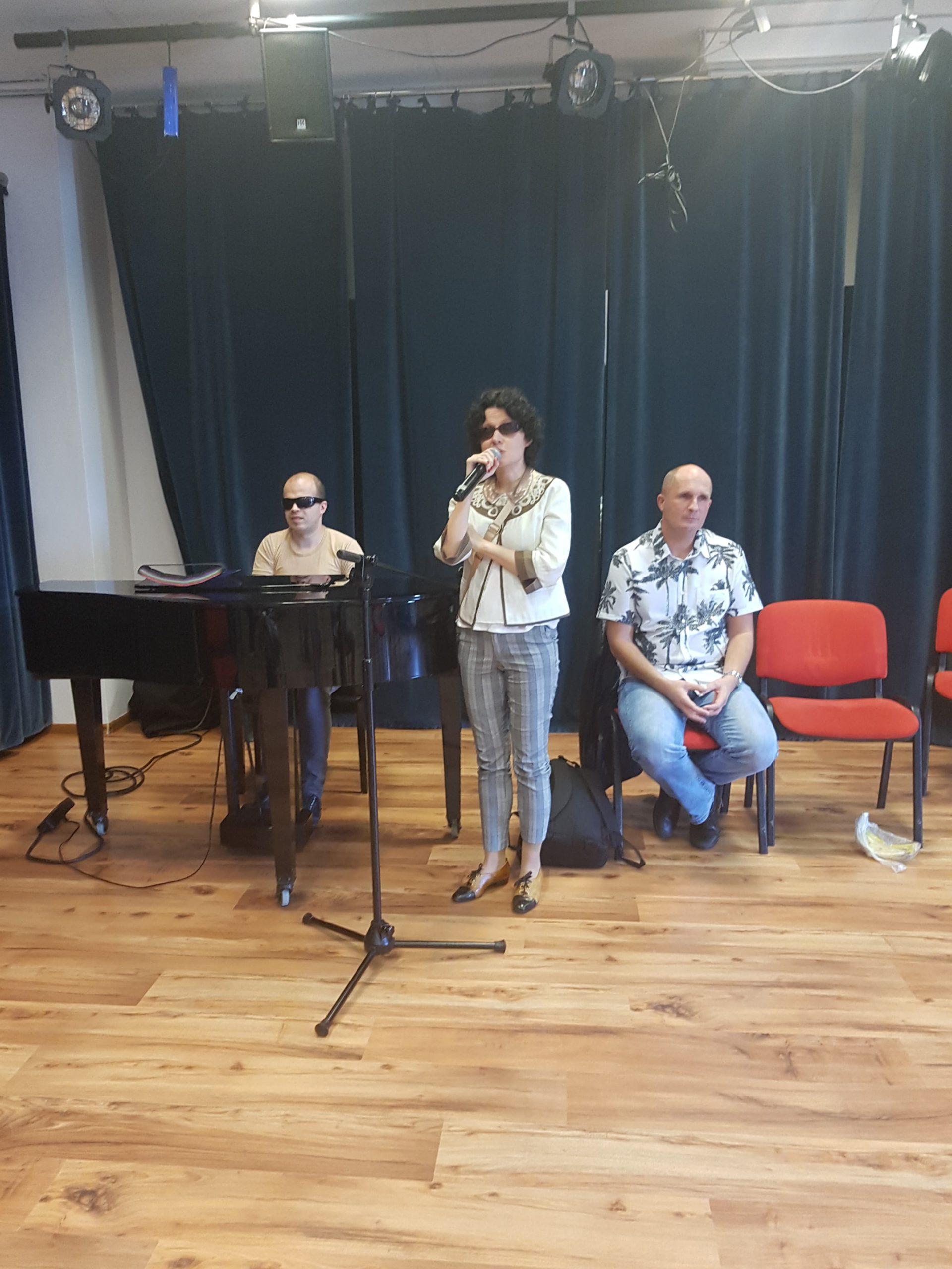 Prowadzący zajęcia: Grzegorz Dowgiałło, Łukasz Baruch, a przy mikrofonie Katarzyna Nowak