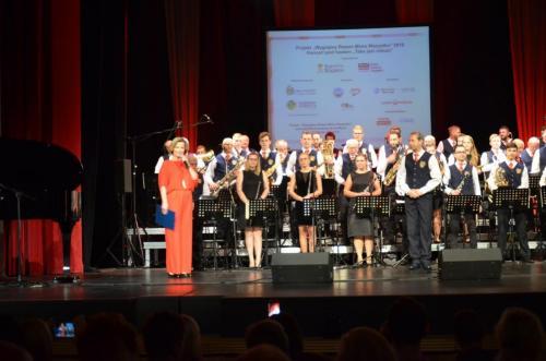 Orkiestra i konferansjer