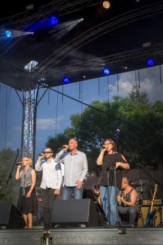 Występ fundacyjnego zespołu MEZALIANS ART - Karolina Żelichowska, Grzegorz Dowgiałło, Łukasz Baruch i Iwona Zięba.