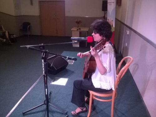 Kasia śpiewa piosenki bohaterów z jej bajki