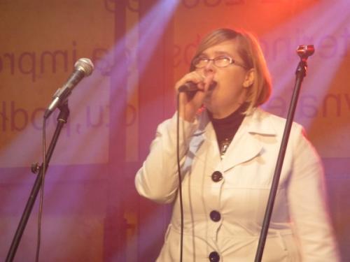 Iwona Zięba, najbardziej zapracowana artystka naszego koncertu,świetnie go rozpoczęła