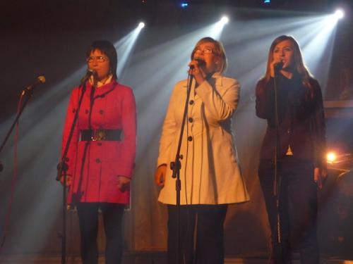 Trzy świetne dziewczyny z zespołu NADZIEJA(od lewej Ola, Iwona i Marta)