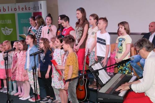 Występ dzieci z MOPT