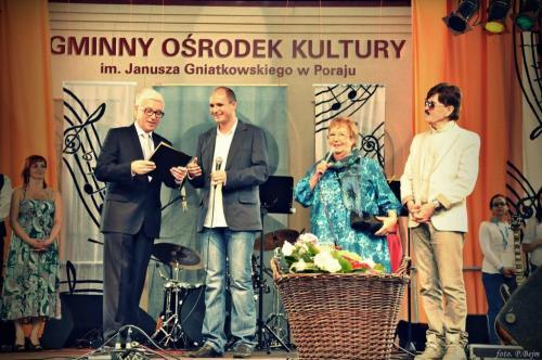 Wręczenie nagrody Zwiazku Artystów Scen Polskich przez Ryszarda Rembiszewskiego i Edwarda Hulewicza