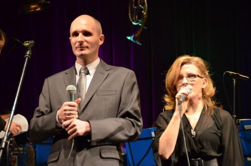 Gości i publiczność powitali w imieniu Zarządu Fundacji Karolina i Łukasz