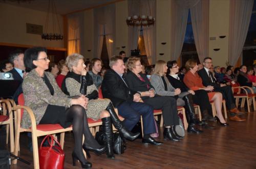 Koncert zaszczycili swą obecnością Patroni Honorowi (Europosłanka - Małgorzata Handzlik,Prezyden Dąbrowy - Zbigniew Podraza),a takze przedstawicielka Urządu Wojewódzkiego - Pani Ochęduszko-Ludwik i Dyrektorzy PKZ