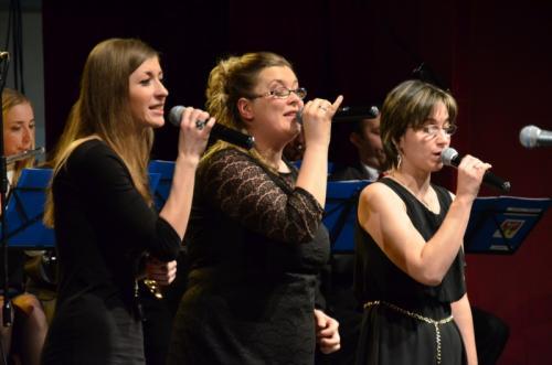Żeński tercet Nadzieja (od lewej - Marta Gaweł, Iwona Zięba, Ola Gudacz) oczarowały publiczność piękną harmonią wdzięku.